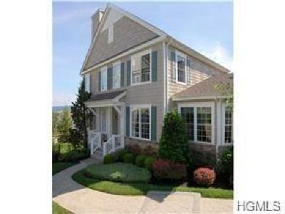 Monroe Single Family Home For Sale: 27 Pinehurst Circle