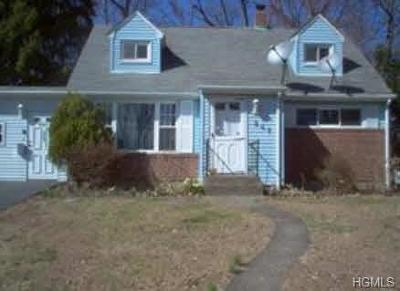 Rockland County Single Family Home For Sale: 247 Holt Drive
