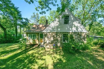 West Nyack Single Family Home For Sale: 29 Van Houten Fields