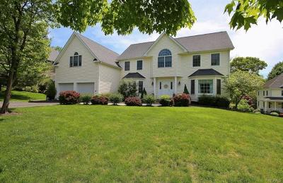 Westchester County Single Family Home For Sale: 6 Applegate Way