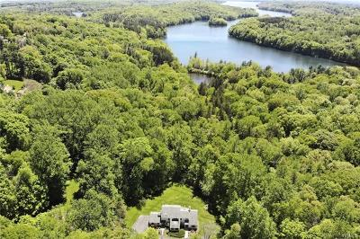 Armonk Single Family Home For Sale: 12 Stone Hollow Way