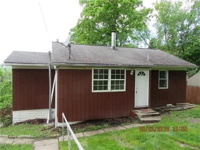 Monroe Single Family Home For Sale: 4 Sunrise Trail