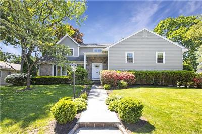 Westchester County Single Family Home For Sale: 61 Abbey Close