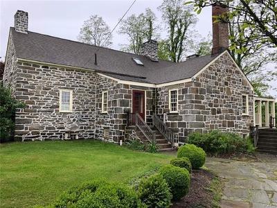 Orange County Single Family Home For Sale: 26 Roberson Avenue