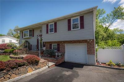 Single Family Home For Sale: 15 Valley Drive