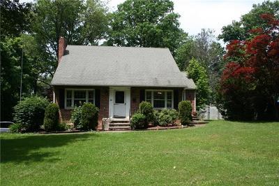 Nanuet Single Family Home For Sale: 34 Blauvelt Street