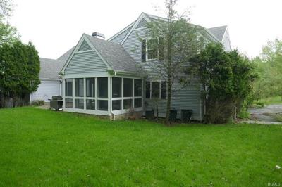 White Plains Single Family Home For Sale: 36 Westchester View