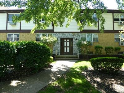 Rockland County Condo/Townhouse For Sale: 17 Somerset Drive #12H