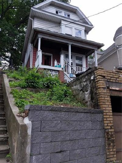 Yonkers Single Family Home For Sale: 487 McLean Avenue