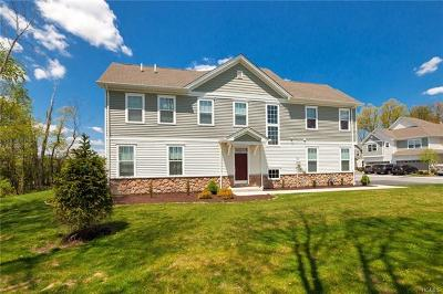 Middletown Single Family Home For Sale: 25 Maple Fields Drive