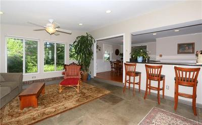 Putnam County Single Family Home For Sale: 21 Colonial Drive