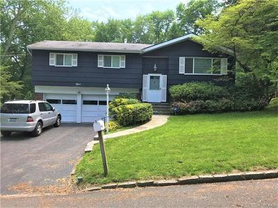 White Plains Single Family Home For Sale: 3 Old Farm Circle