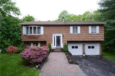 Pleasantville Single Family Home For Sale: 9 Samson Drive