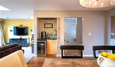 Condo/Townhouse Sold: 3 Isabel Court
