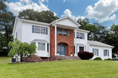 Pomona Single Family Home For Sale: 18 Nytko Drive