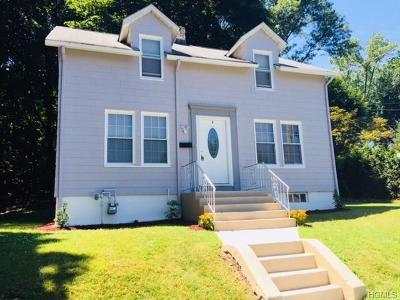 Single Family Home For Sale: 1 Oak Street