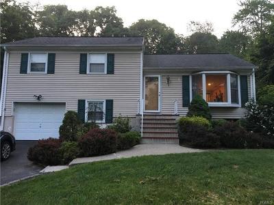 Mohegan Lake Single Family Home For Sale: 3830 Hudsonview Street