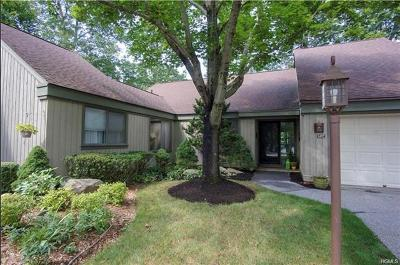 Somers Condo/Townhouse For Sale: 547 Heritage Hills #C