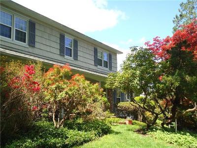 Chappaqua Single Family Home For Sale: 27 Whitlaw Lane