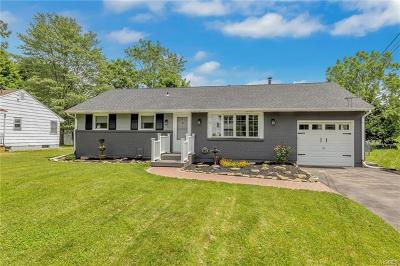 Middletown Single Family Home For Sale: 51 Beers Drive