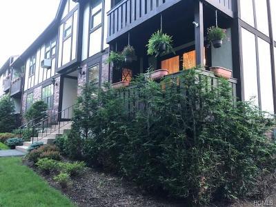Valley Cottage Condo/Townhouse For Sale: 737 Sierra Vista Lane