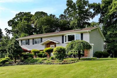 Pearl River Single Family Home For Sale: 67 Gottlieb Drive