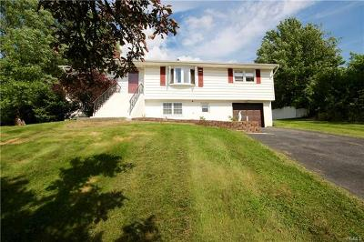 Monroe Single Family Home For Sale: 21 Pine Hill Road
