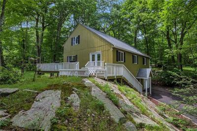 Tuxedo Park Single Family Home For Sale: 129 Fawn Hill Road