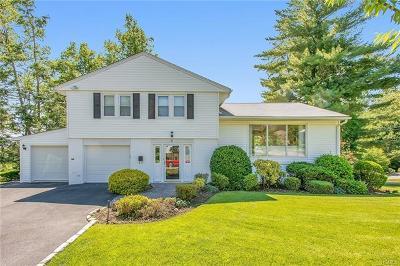 Single Family Home For Sale: 6 Williamsburg Close