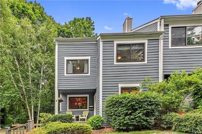 Westchester County Condo/Townhouse For Sale: 8 Timber Ridge