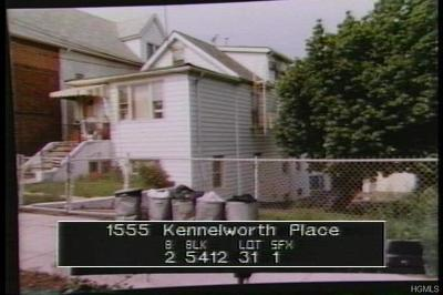 Multi Family 2-4 For Sale: 1555 Kennellworth Place