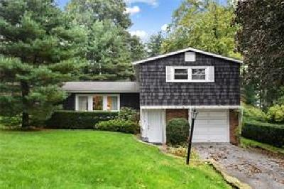 Westchester County Single Family Home For Sale: 18 Tanglewood Road