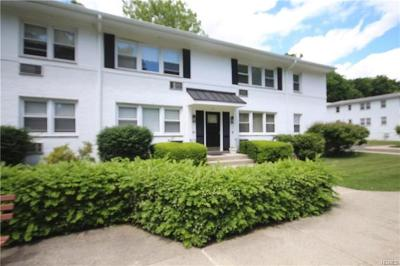Rye Brook Condo/Townhouse For Sale: 67 Avon Circle #D