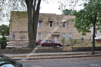 Multi Family 2-4 For Sale: 1721 Bussing Avenue