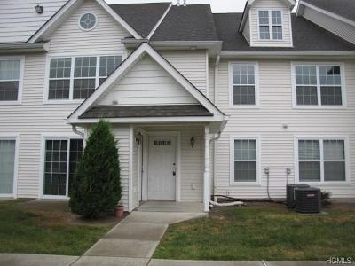 Middletown Condo/Townhouse For Sale: 111 Ruth Court
