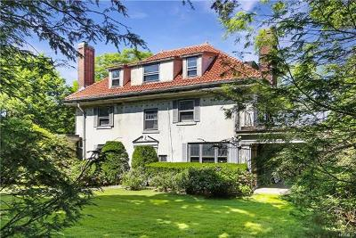 New Rochelle Single Family Home For Sale: 374 Stratton Road