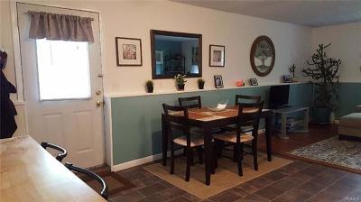 Putnam County Rental For Rent: 208 Buckshollow Road