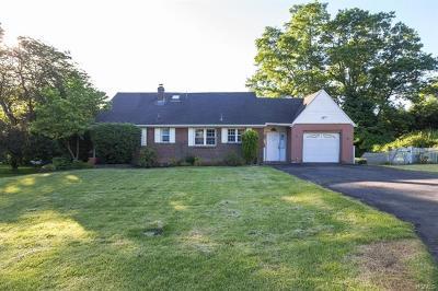 New Windsor Single Family Home For Sale: 9 Sunrise Terrace