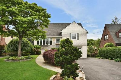 Eastchester Single Family Home For Sale: 152 Park Drive