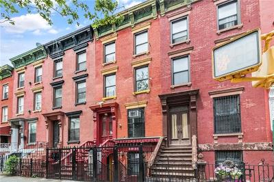Bronx Single Family Home For Sale: 637 Walton Avenue