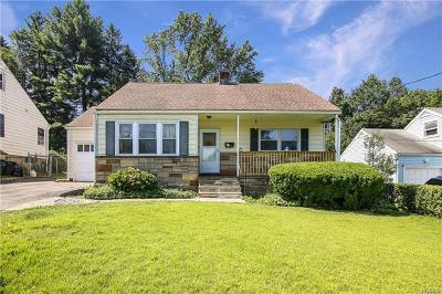Westchester County Single Family Home For Sale: 915 Lyman Avenue