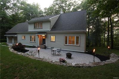 Tuxedo Park Single Family Home For Sale: 186 Maple Brook Road