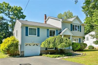 Pearl River Single Family Home For Sale: 32 Lombardi Road