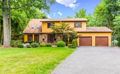 New City Single Family Home For Sale: 12 Candlelight Circle