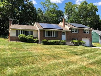 Newburgh Single Family Home For Sale: 65 Hy Vue Drive