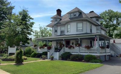 Pine Bush Single Family Home For Sale: 215 Maple Avenue
