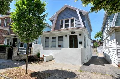 Bronx Single Family Home For Sale: 2107 St Paul Avenue