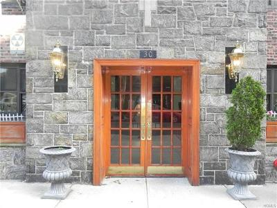 New Rochelle Co-Operative For Sale: 30 Clinton Place #4E &