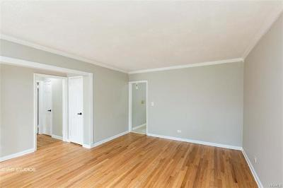 Yonkers Co-Operative For Sale: 100 Hilltop Acres #100