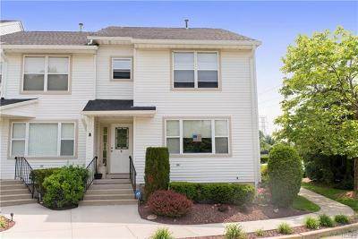 Nanuet Condo/Townhouse For Sale: 5 Wedgewood Parkway